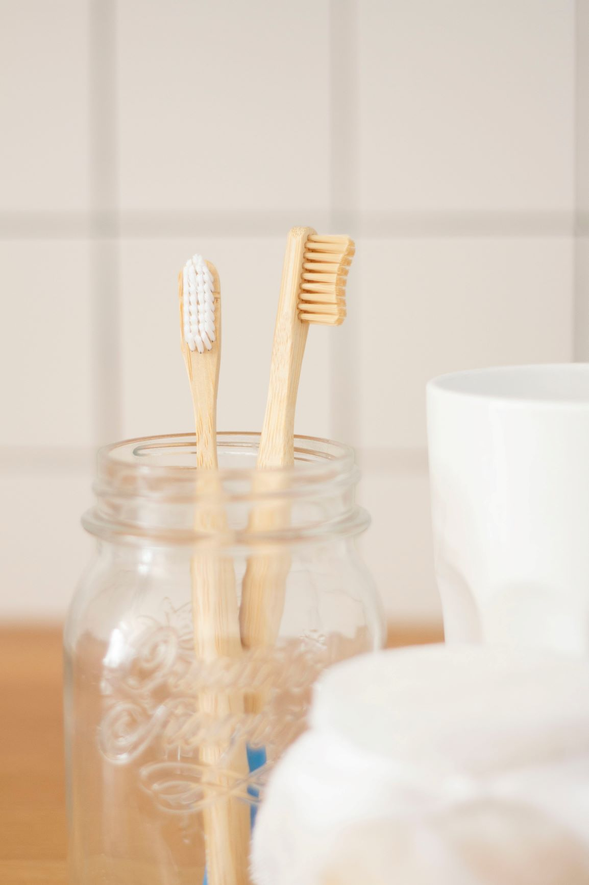 brush teeth to avoid gum disease